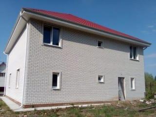 Коттедж 200 м² на участке 8 сот.