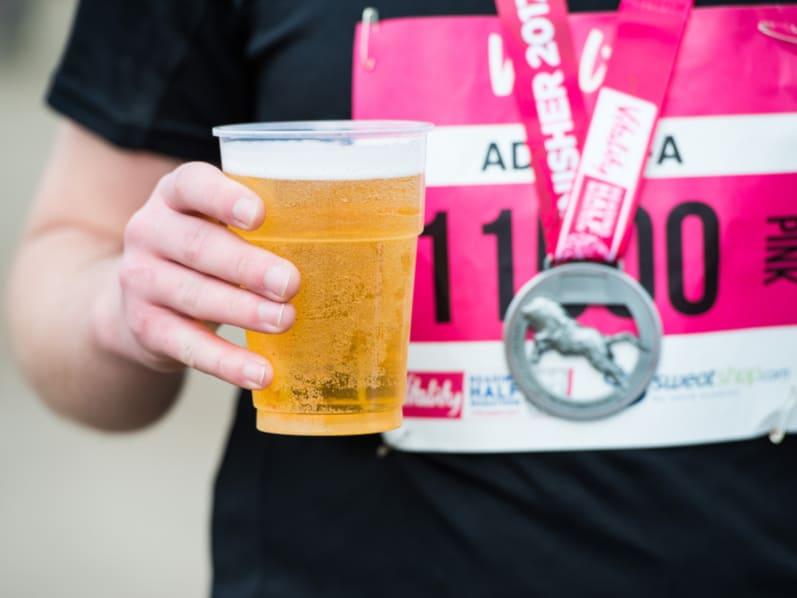 Die Kombination von Alkohol und Sport. Blogartikel bei YAS.life