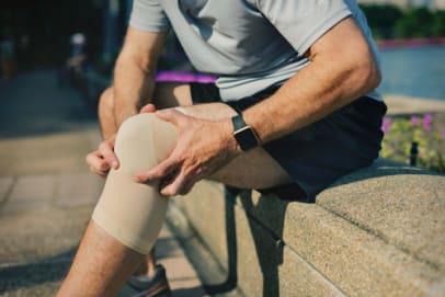 Knie Verletzung beim Sport