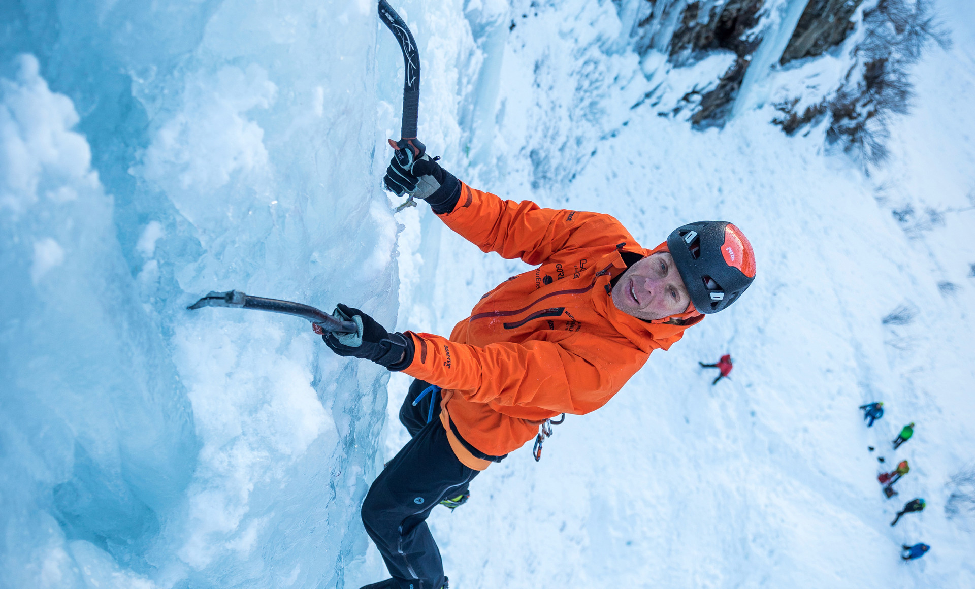 Imagefoto mit dem ALPINE ICE GTX®, Eiskletterevent Kolm Saigurn