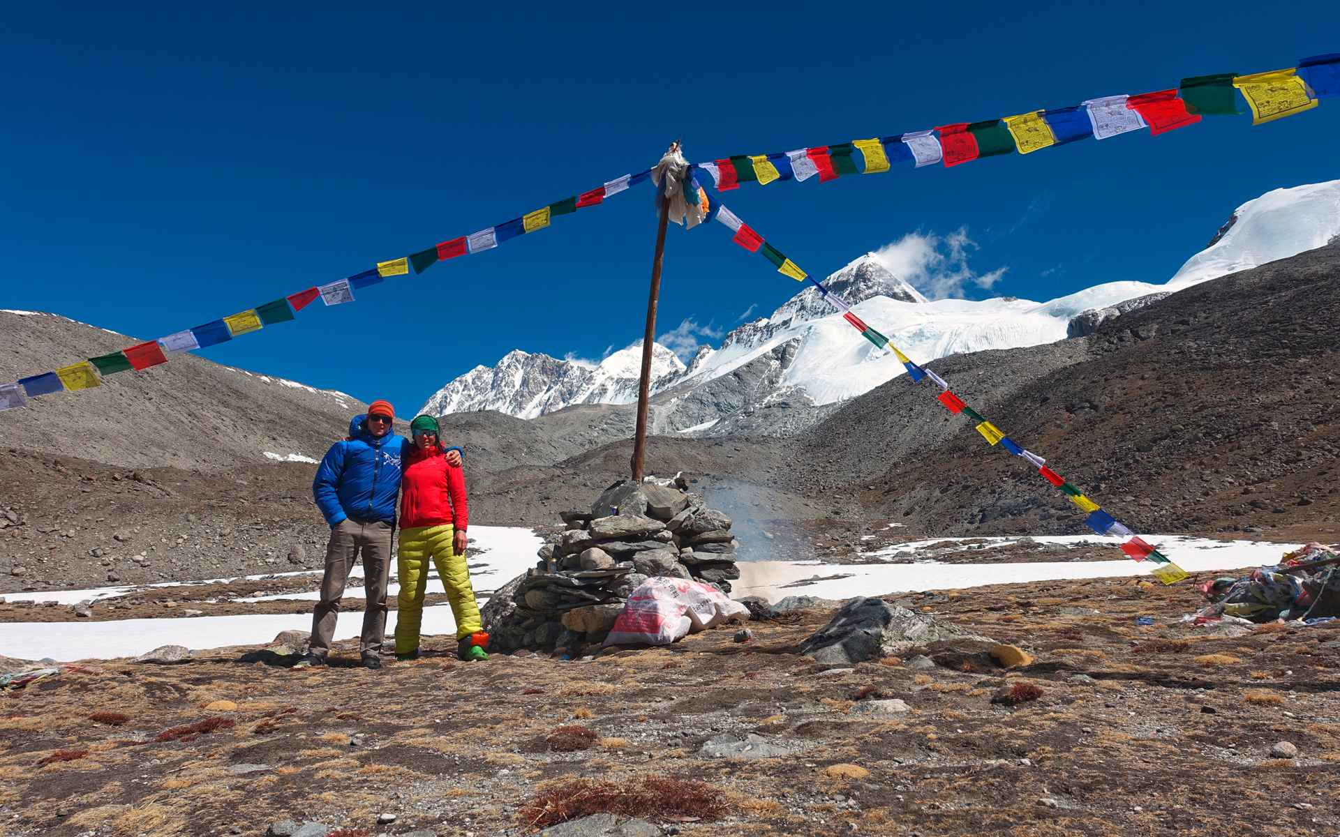 In the nice weather hours was our base camp really a paradise with a great view towards Shishapangma.