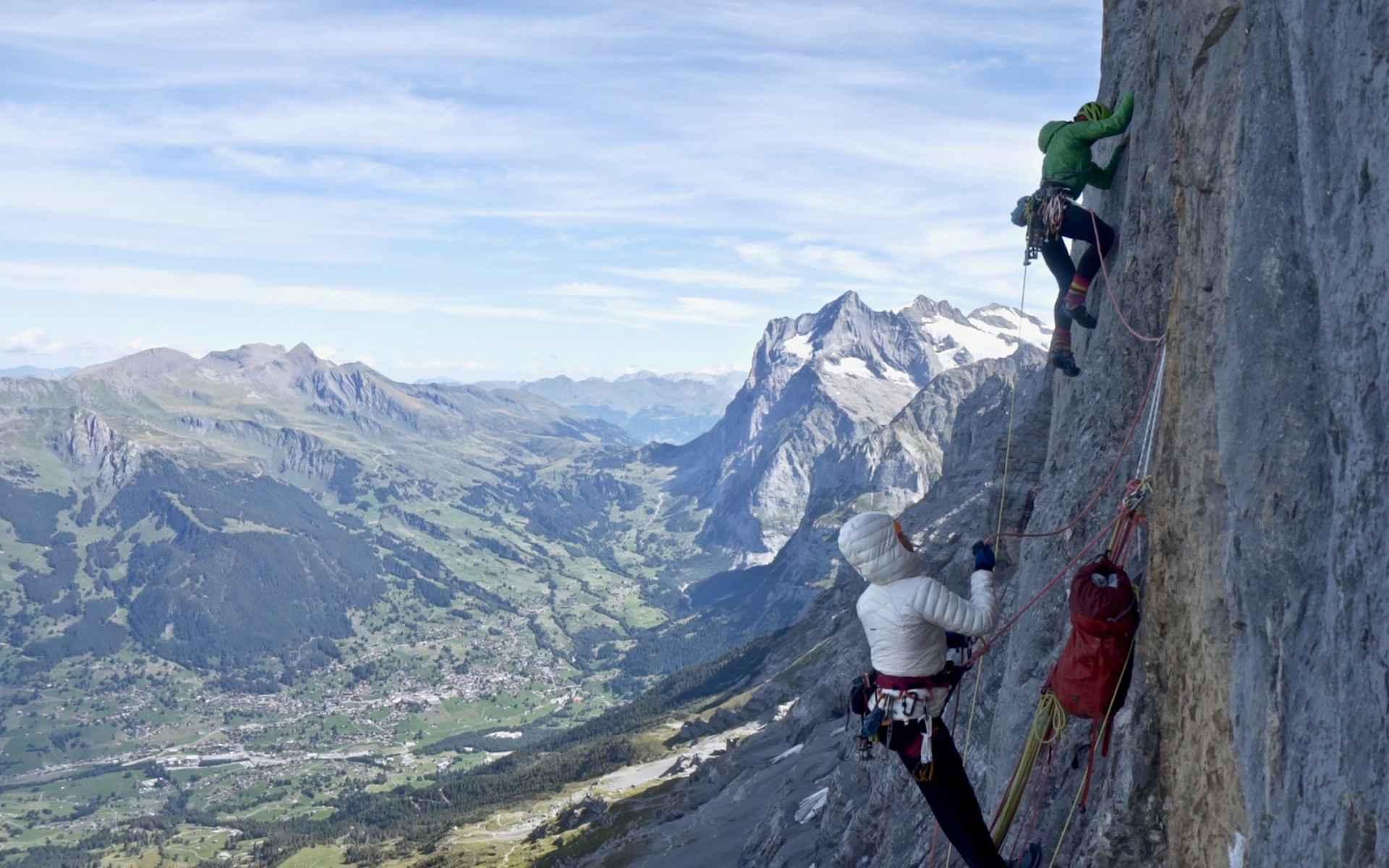 La voie sur la face nord de l'Eiger est un défi de tous les instants.