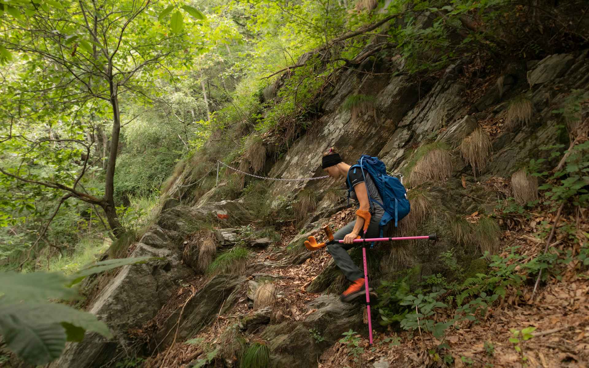 Il sentiero conduceva su rocce e ghiaioni.