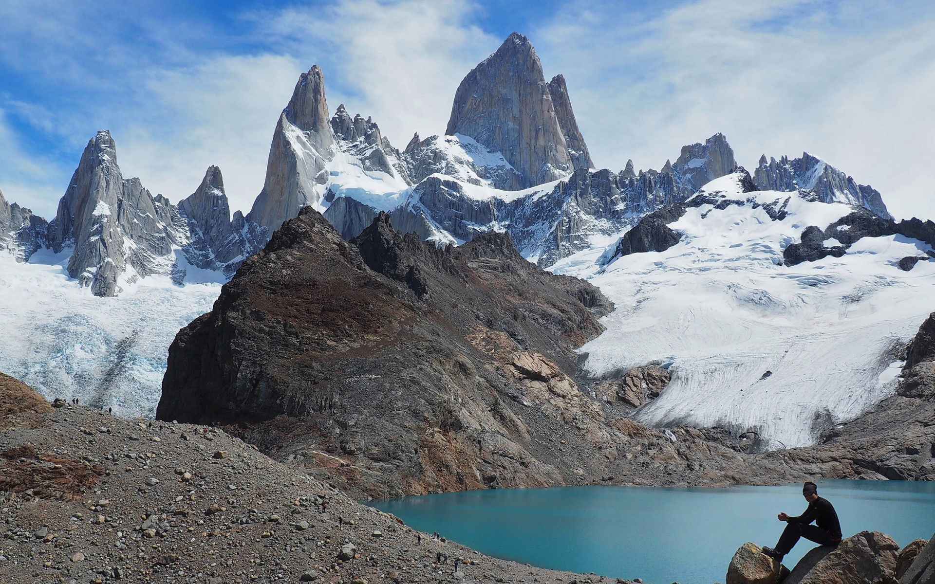 « Parvenir à se hisser au sommet d'une montagne par la force de son corps, c'est une expérience émouvante et unique. C'est bien pour cette raison que nous n'empruntons pas le téléphérique. »