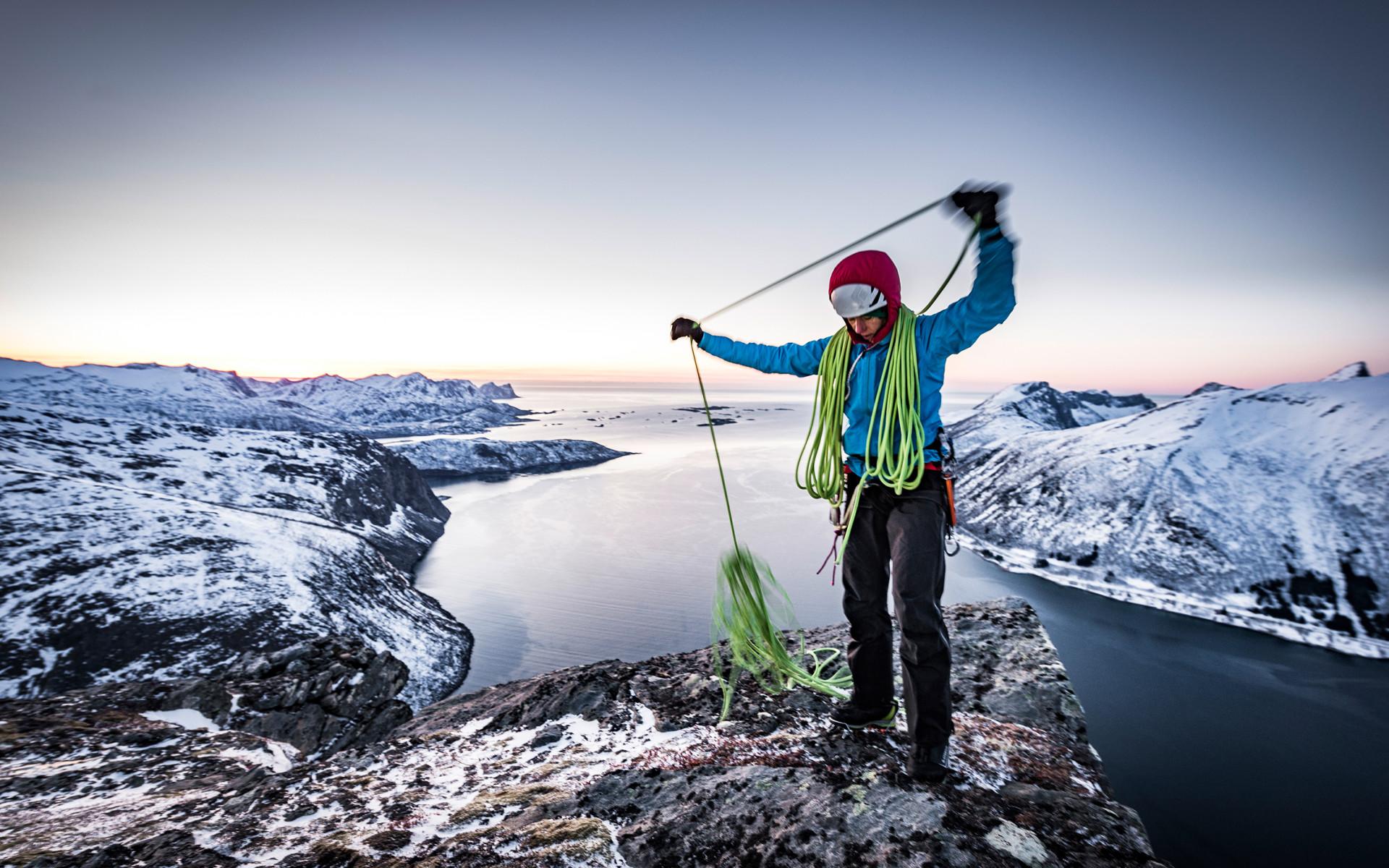 Immagine con ALPINE ICE GTX, Senja Ice Climbing 2018