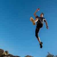 Running-Szene in Bardenas Reales, Navarra, Spanien.