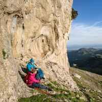 Wanderszene an der Rocca di Novara, Sizilien, Italien.