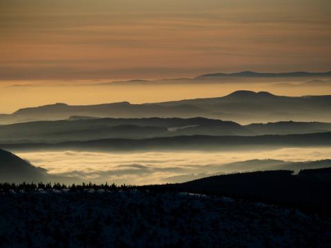 Morgenstimmung vom Brunnenberg, Riesengebirge, Tschechien.