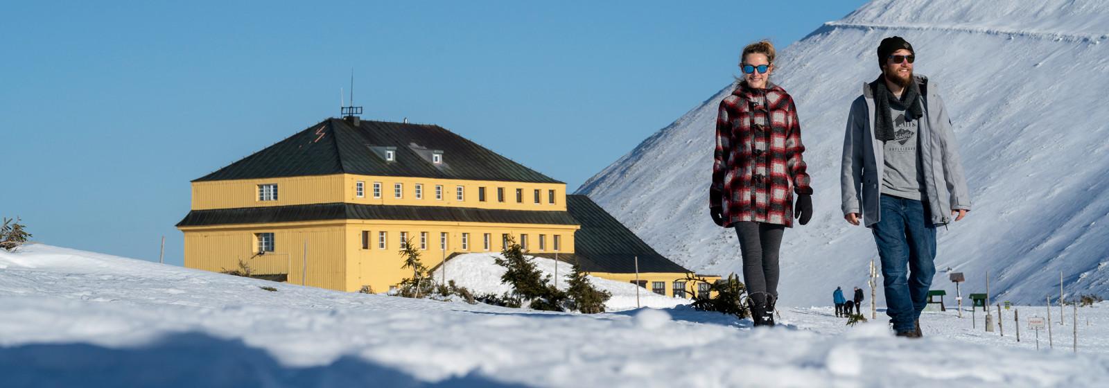 Schlesierhaus Winterwandern, Riesengebirge, Tschechien.