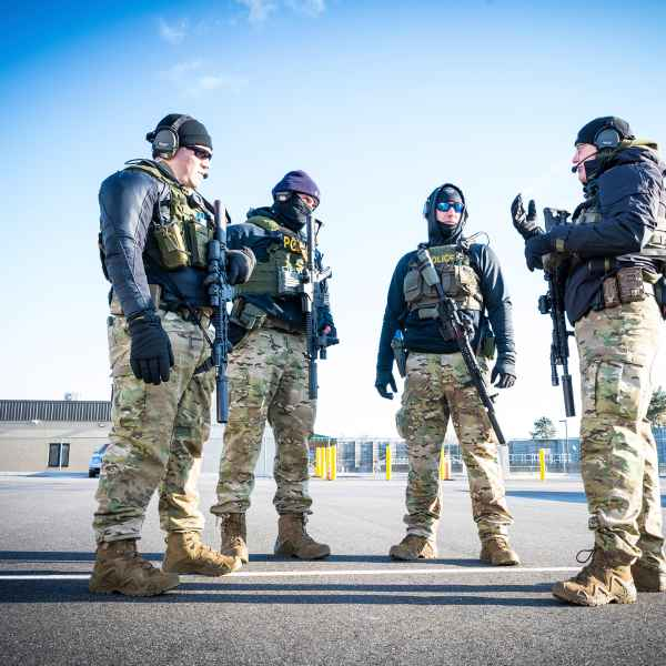 Photo avec la ZEPHYR GTX MID TF, LOWA USA Military Police Shooting