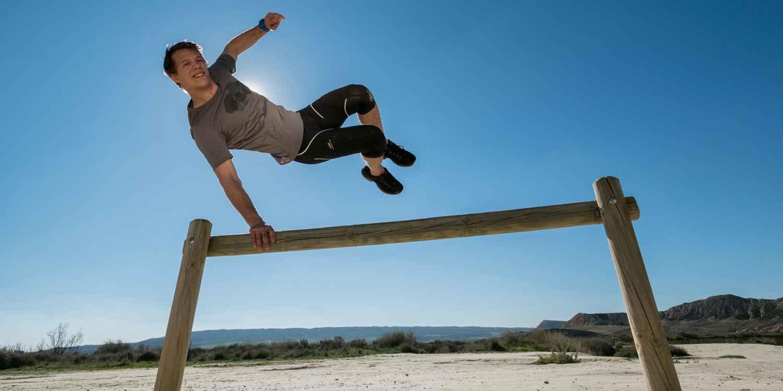 «Vitesse et légèreté»: telle est la devise de cette chaussure multifonction, qui se prête à une grande variété d'activités sportives en extérieur grâce à ses nombreux détails fonctionnels. Une tige en microfibre de haute qualité, associée à une membrane GORE-TEX performante, lui confère légèreté et respirabilité. INNOX EVO GTX LO est idéale pour les randonnées de faible difficulté ou le speed hiking.