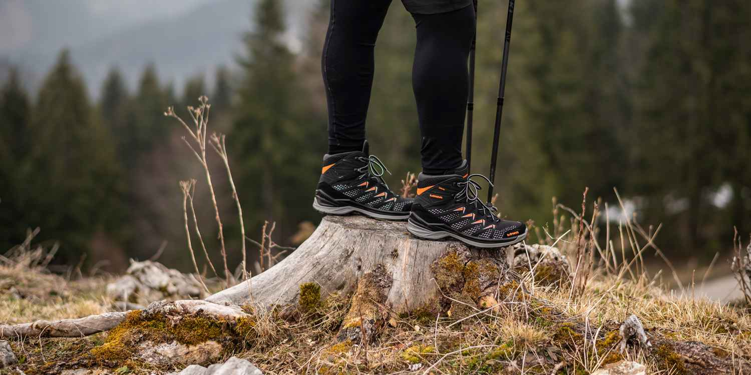 When spontaneity and multifunctional footwear get together, there can be just one result: unplanned adventure. The time is right. With the waterproof jack-of-all trades INNOX PRO GTX MID, outdoor athletes have the ideal shoes on all of the time. After all, whilst the mid-sole made of LOWA DynaPU® offers the necessary cushioning, the innovative LOWA MONOWRAP® frame provides the very best foot guidance step by step across the terrain.