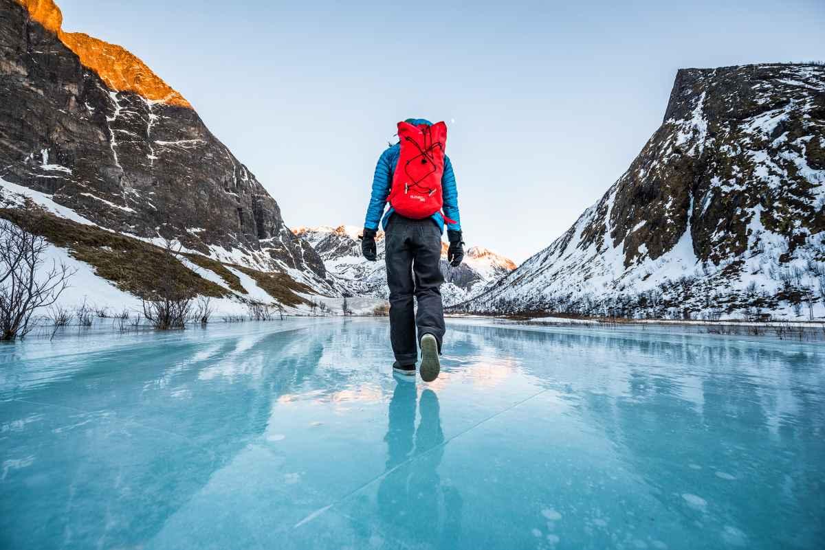 Onopvallend ontwerp en tal van functie  –  Met de RENEGADE EVO ICE GTX Ws slaagt ieder winteravontuur. Een optimale pasvorm zorgt in combinatie met de zooltechnologie Vibram® Arctic Grip voor perfect comfort.