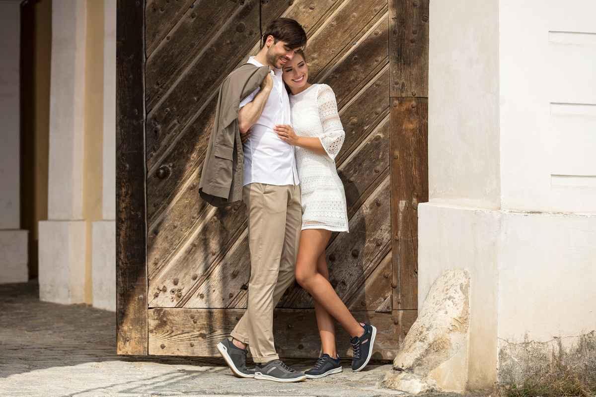Ob nun auf Reisen, im Alltag oder in der Arbeit – die lässigen Freizeit-Sneaker ANCONA  sorgen überall für jede Menge Aufsehen. Nahtlos lässt sich deren unverkennbares Oldschool-Design mit den verschiedensten Styles und modischen Accessoires kombinieren. Und weil Aussehen allein noch längst nicht ausreicht, können die Sneaker auch funktional auf ganzer Linie überzeugen. So kommen sie zum Beispiel mit einer dämpfenden Zwischensohle aus LOWA DynaPU® daher.