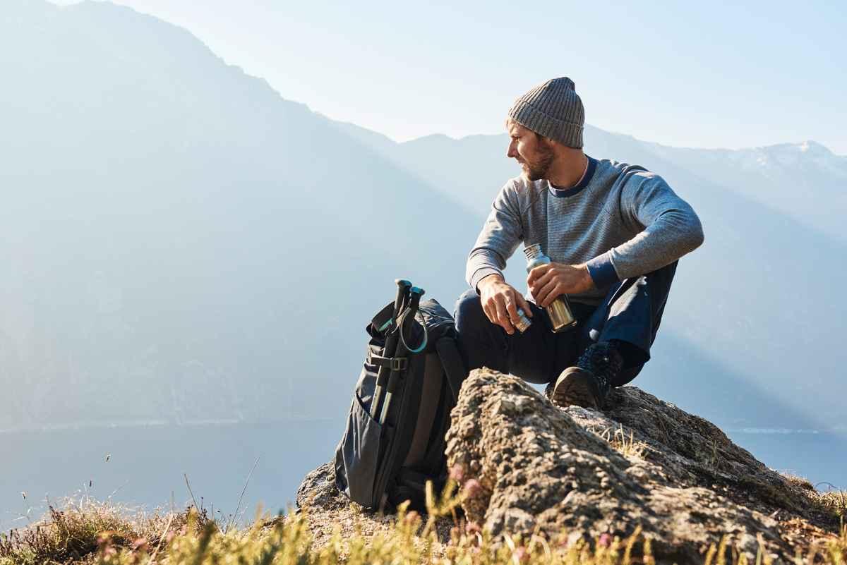 Rien de tel qu'une chaussure polyvalente, surtout pour le trek et la randonnée de montagne! Celle-ci a fait ses preuves dans des environnements très variés. Le modèle CAMINO LL se distingue par son adaptabilité et son confort. Pour les randonnées faciles, les grandes randonnées en plusieurs étapes ou le trek, cette chaussure de montagne robuste est particulièrement confortable avec un extérieur en nubuck et une doublure intérieure en cuir. Sans oublier la technologie X-LACING® pour un maintien parfait de la languette. Enfin, elle comprend également une tige flexible et une semelle adhérente VIBRAM® APPTRAIL.
