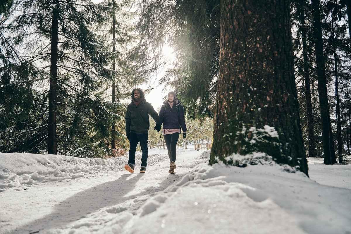 Toutes nos clientes qui affectionnent les promenades dans des paysages enneigés vont être séduites par le modèle KAZAN II GTX MID Ws. En version mi-haute, cette botte garantit un bon maintien, un confort des plus agréables ainsi qu'une grande fonctionnalité. Ses lacets souples s'ajustent parfaitement, et sa doublure GORE-TEX Partelana garde les pieds au chaud et au sec.