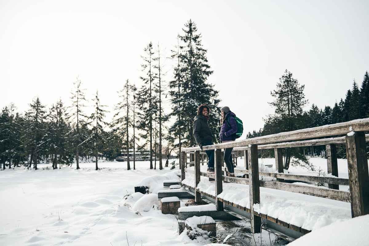 Als de lucht ijskoud en kristalhelder is en de volgende bergtop zich in het wit presenteert, komt de TIBET SUPERWARM GTX pas echt goed tot zijn recht. De speciaal voor gebruik in de winter ontworpen schoen met GORE-TEX Duratherm-voering en effectieve PrimaLoft®-isolatie zorgt voor optimaal comfort tijdens de tocht. De schoen is bovendien vervaardigd met een speciale damesleest.