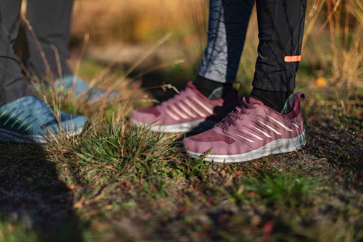 Si vous souhaitez adopter un look sportif au quotidien et lors de votre prochaine aventure outdoor, le modèle athlétique VENTOWs est fait pour vous. Ce poids plume offre le meilleur des deux mondes: un look élégant pour un usage au quotidien, et des performances optimales dans un environnement naturel. Équipée d'une semelle intermédiaire en LOWA DynaPU®+ pour maximiser son effet de rebond, la chaussure multifonction aux allures sportives se distingue par son excellent chaussant.