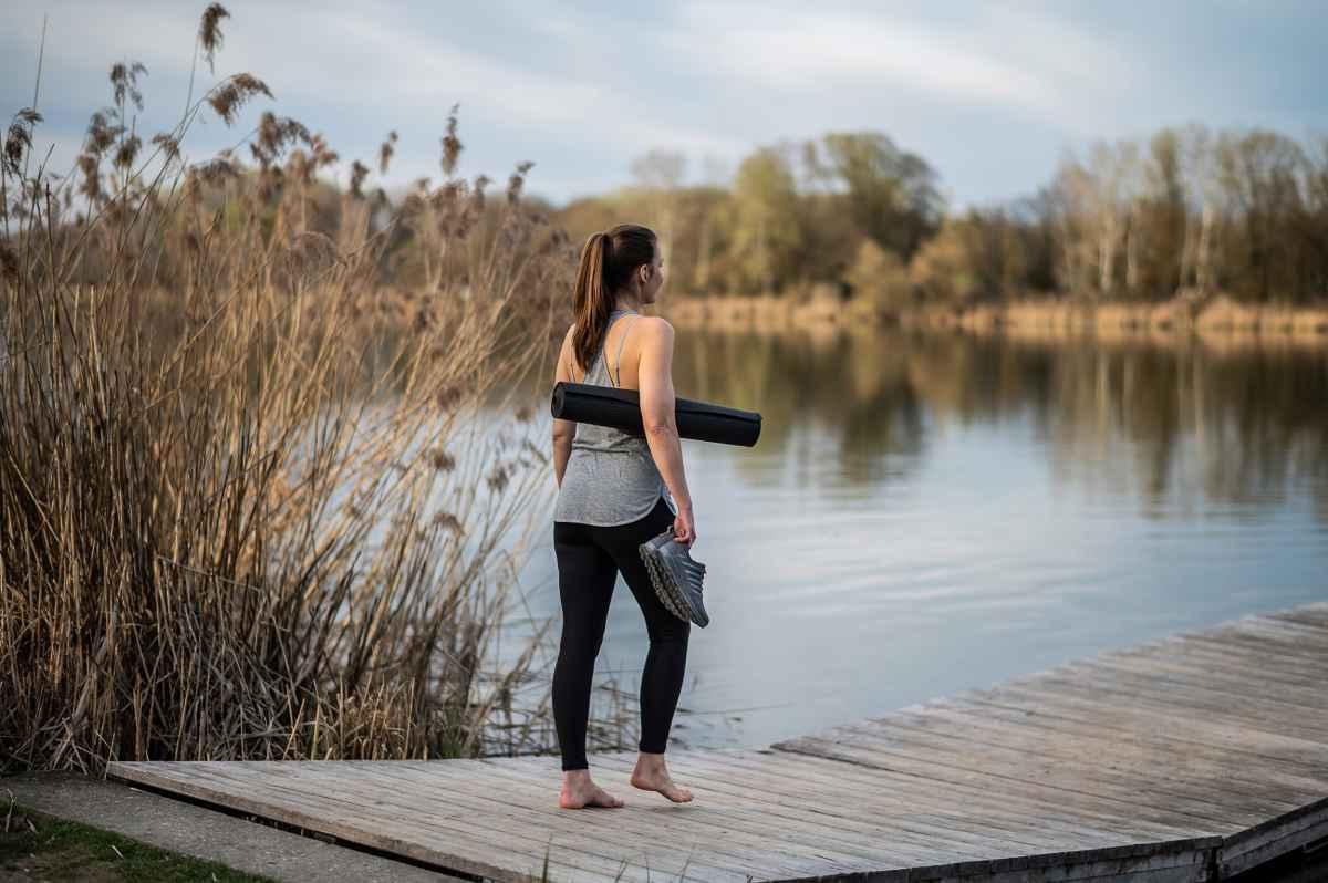 Sportlich und dynamisch  – mit dem FERROX PRO GTX LO Ws sind Outdoor-Frauen perfekt für ihr nächstes Abenteuer gerüstet. Dank der Zwischensohle aus DynaPU® ist der Schuh optimal gedämpft, während die LOWA-MONOWRAP®-Konstruktion für eine optimale Fuß-Führung sorgt. Aber auch im Alltag glänzt der stylische Sportschuh als optimaler Begleiter.