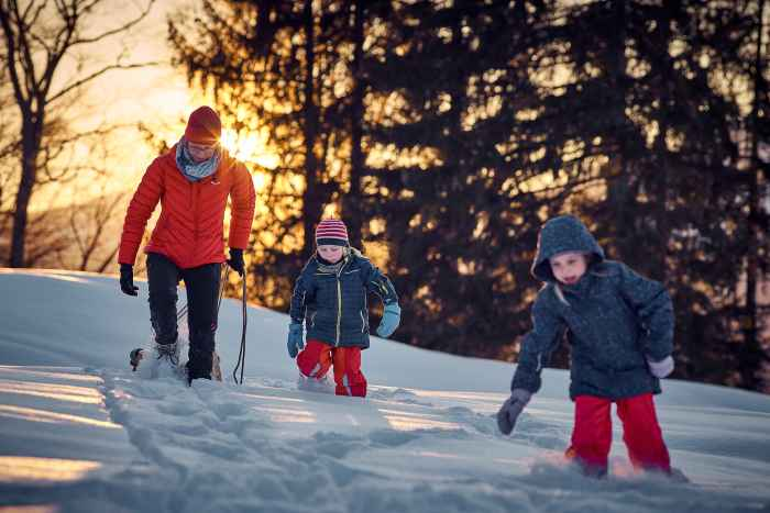 Snel aan, snel uit! Dit motto geldt voor veel kinderen ook in het koude seizoen, als het gaat om het aan- en uittrekken van hun winterschoenen. En daarbij komt de hoger gesneden MILO GTX HI met zijn drie stevige klittenbandsluitingen goed van pas.