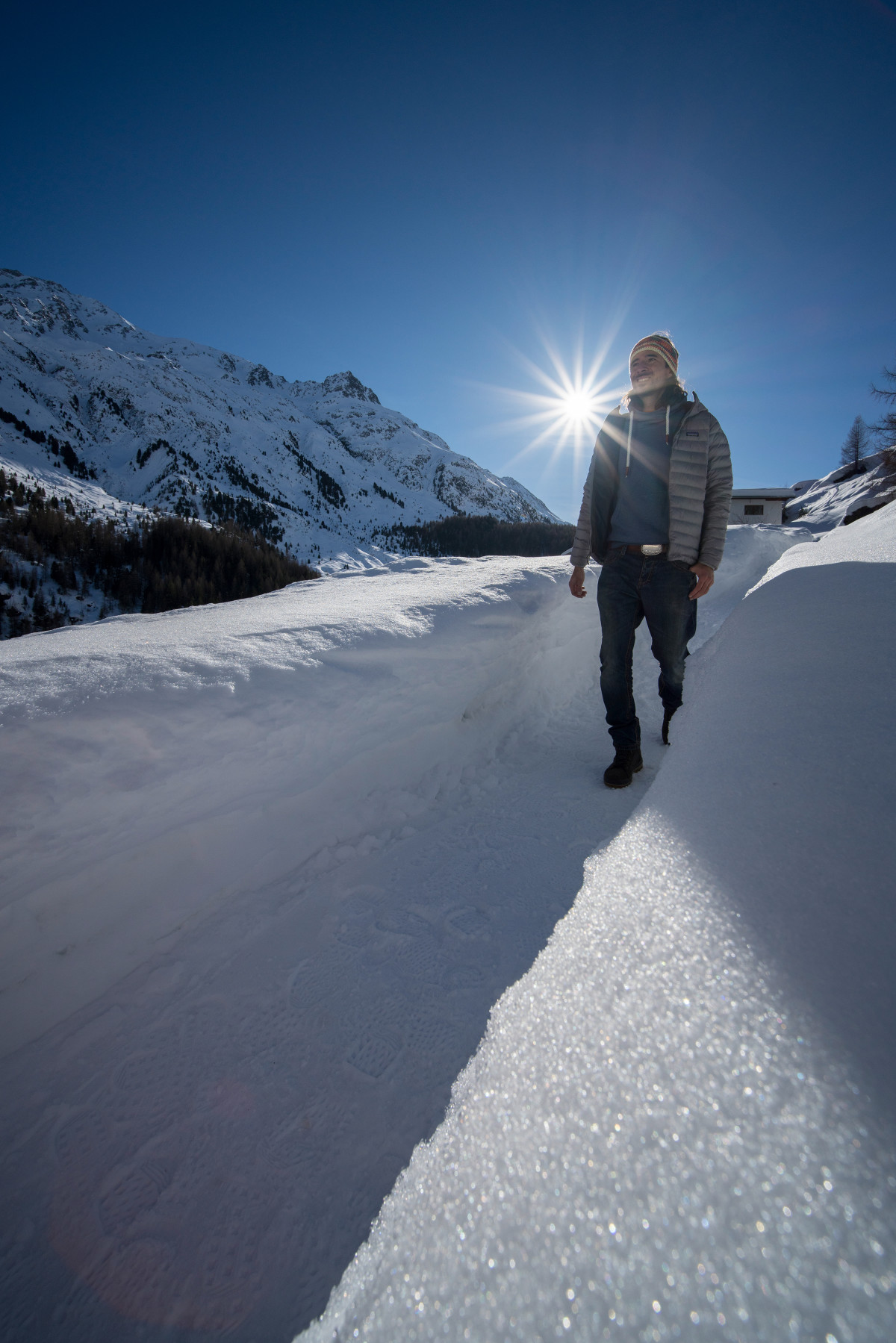 Winterwanderszene    Winterstall, Oetztaler Alpen, Tirol, Oesterreich.