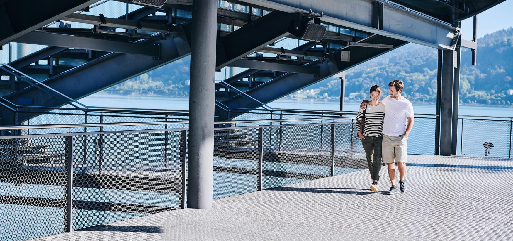 Er is natuurlijk niet meteen een reis naar Amerika nodig om de nieuwe OAKLAND GTX® Ws in de juiste stijl te dragen. Even snel de stad in of een uitgebreide wandeling in het park zijn meer dan voldoende. Globetrotters zijn zo perfect uitgerust voor het volgende stadsavontuur.