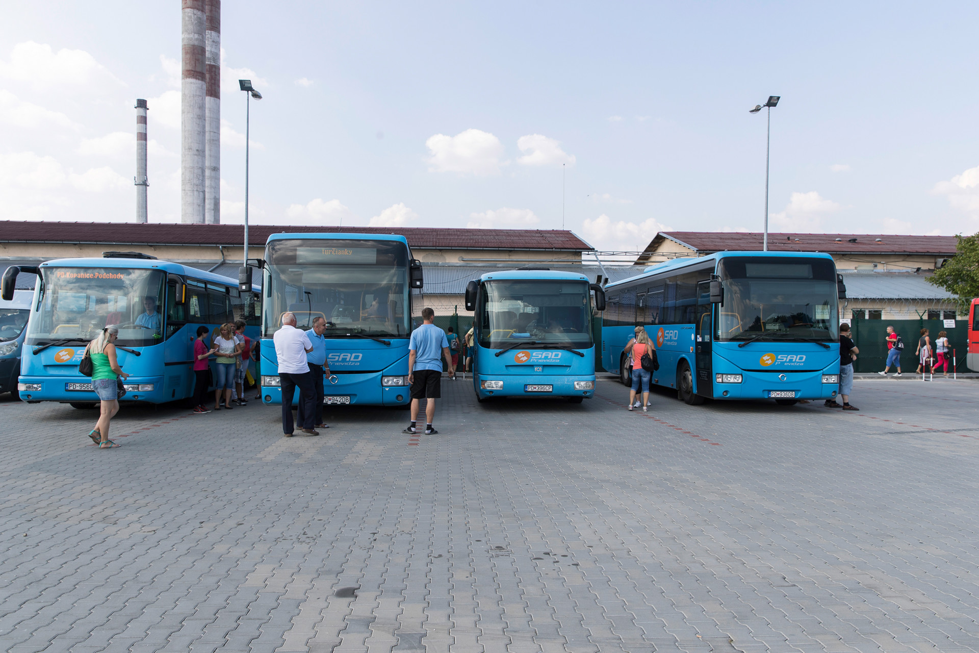Bus lines for employees to the workplace for free