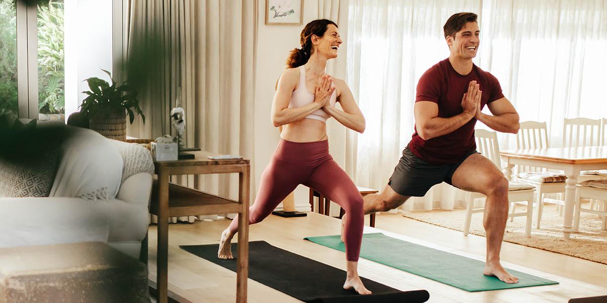 Cerchi delle posizioni yoga in due? Ecco le migliori!