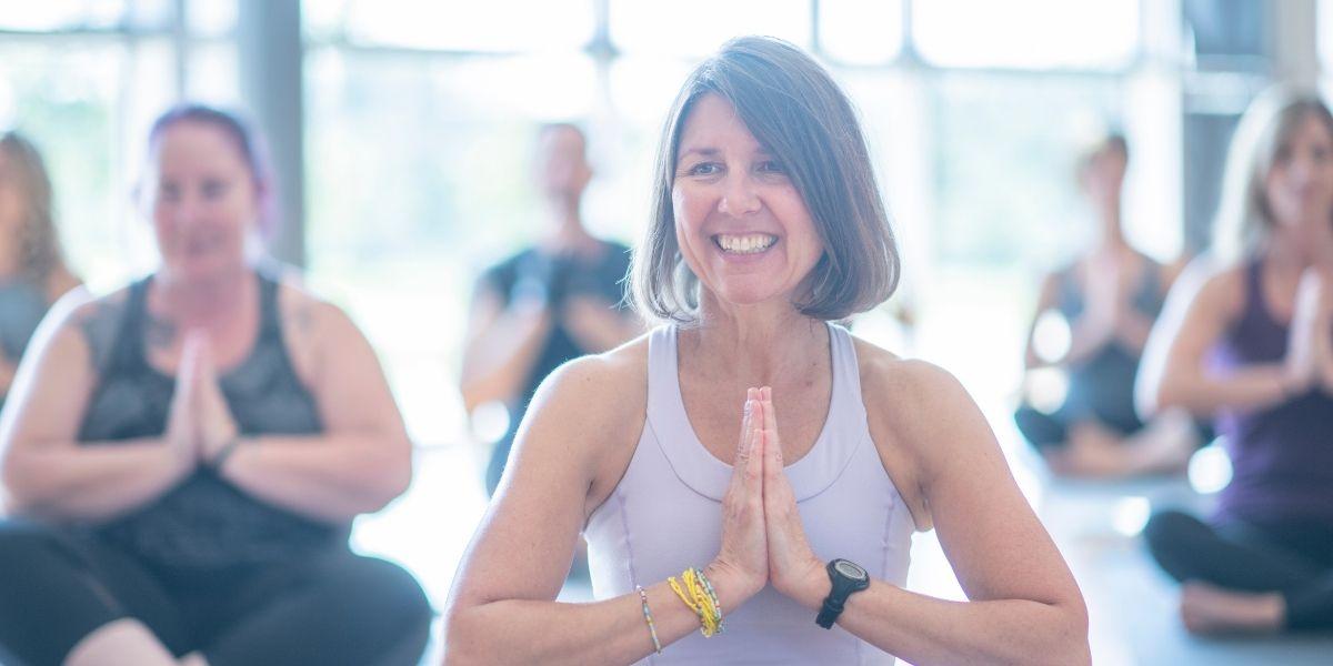 Yoga della risata: cos'è e come ci aiuta a star bene