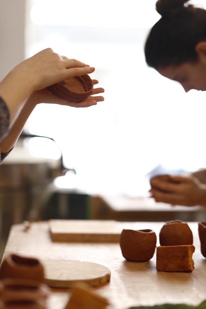 Atelier de céramique paris 18 poterie modelage