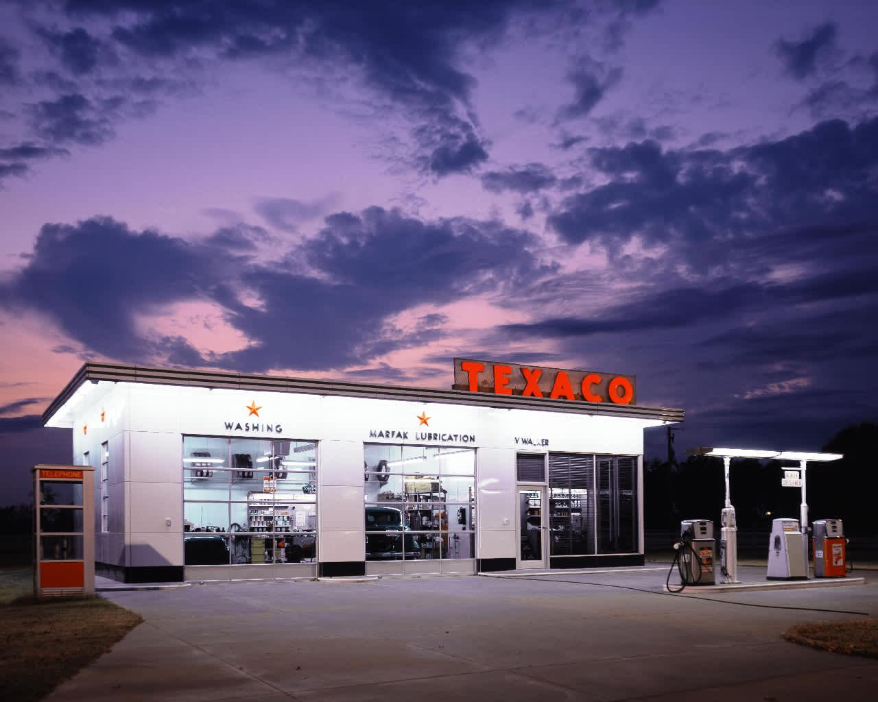 Retro Texaco fuel station