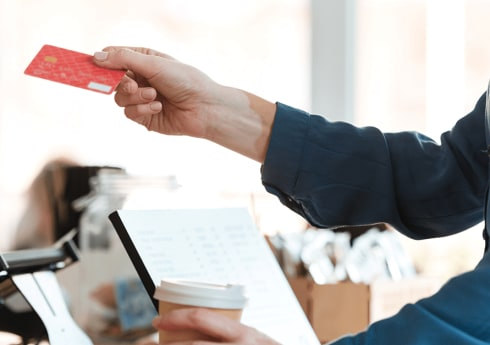 Fuel Cards vs Credit Cards vs Cash