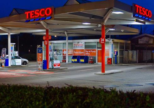 UK Supermarket Fuel Cards Reviewed: Saving Money Using Supermarket Fuel