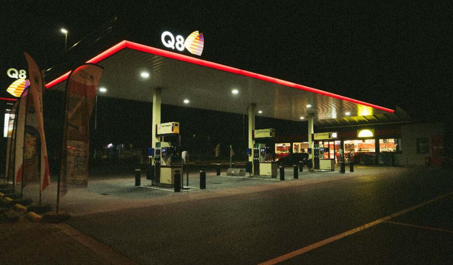 Q8 fuel station