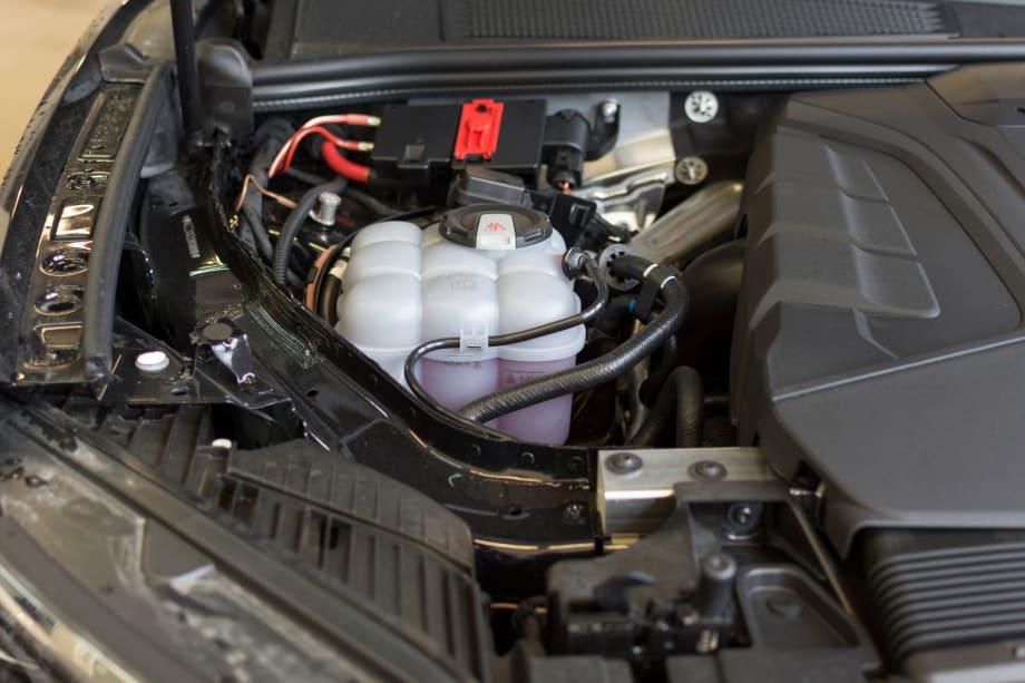 Car expansion tank