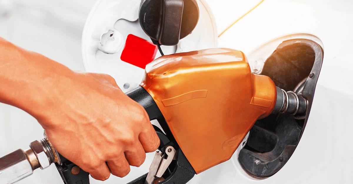 Cartões de Combustível a Preço em Bomba Vs Preço Fixo