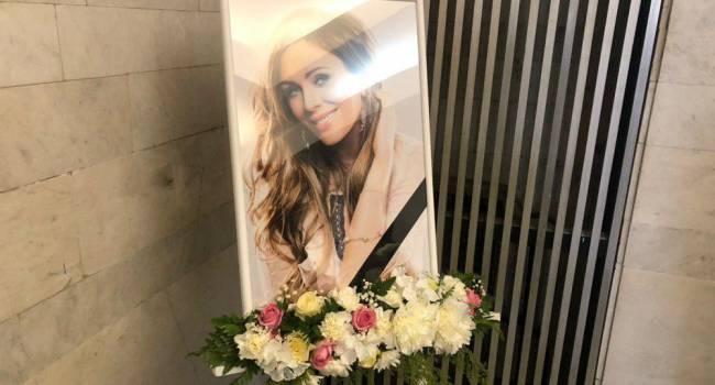 «Больно. Так больно»: в сети опубликовали ранее неизвестное фото с похорон Юлии Началовой