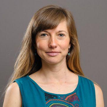 Dr Aleona Swegen