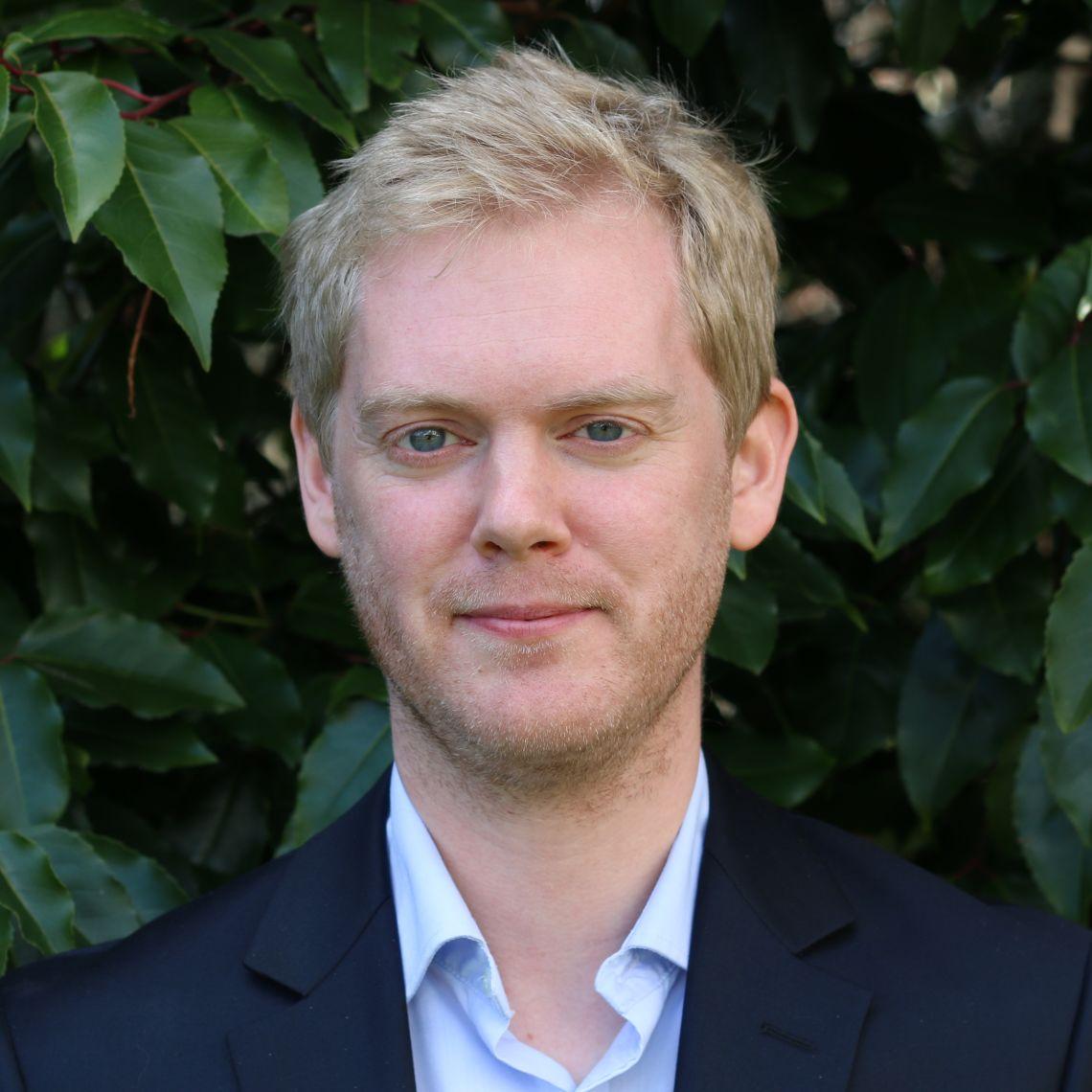 Dr Michael Dunn