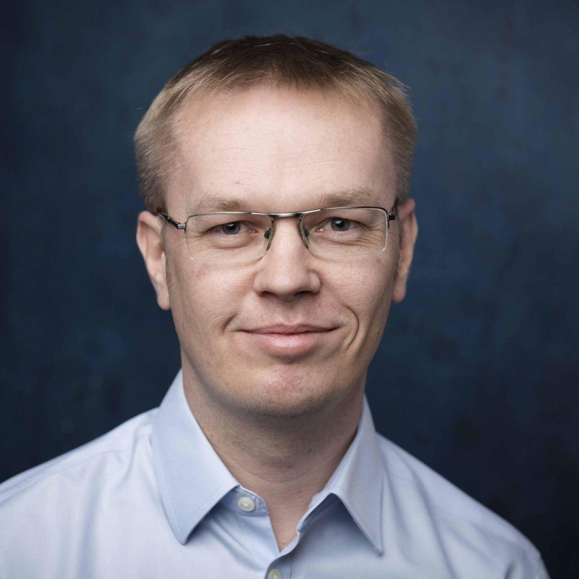 Professor Richard J Maude