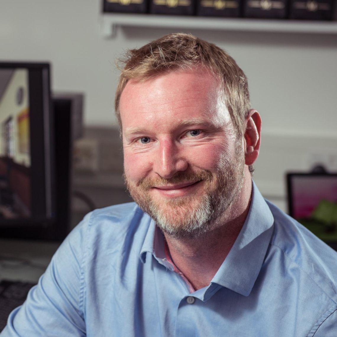 Dr Chris Paton