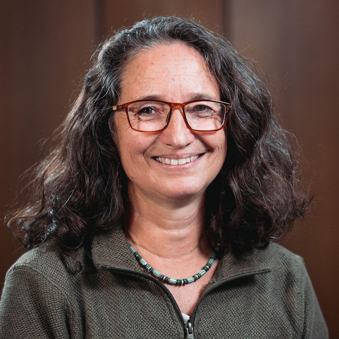 Dr Lynne Elson