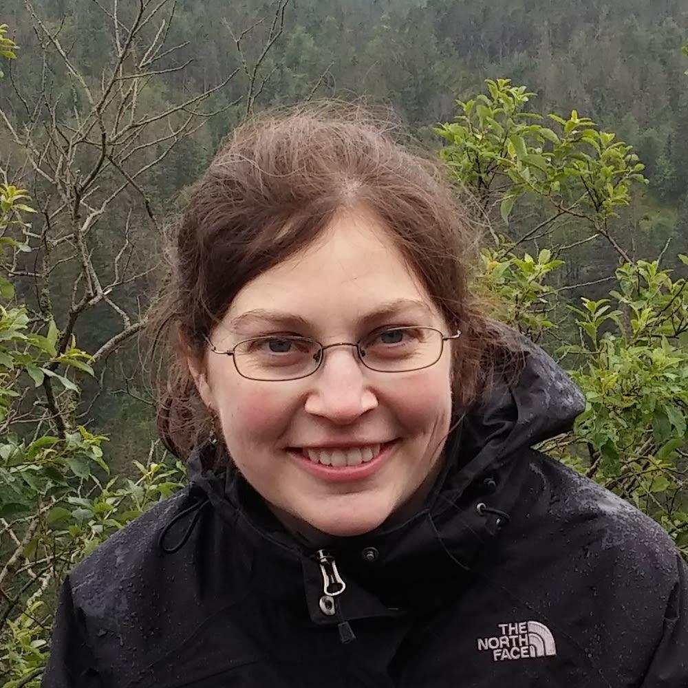 Dr Iryna Schlackow