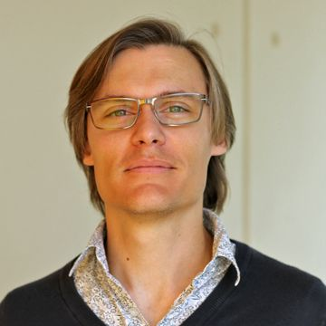 Dr Benjamin Cairns