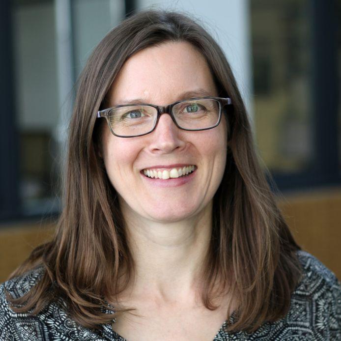 Dr Sarah Floud
