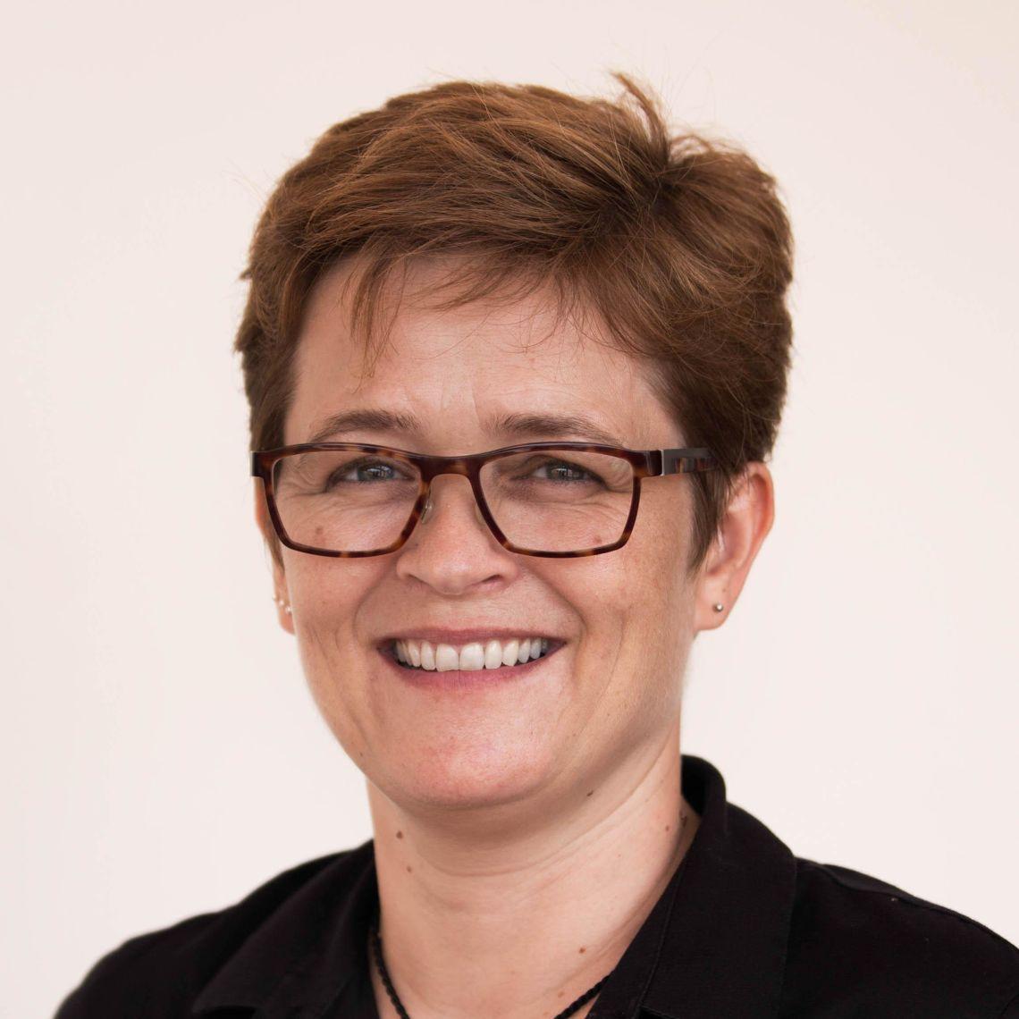 Dr Claudia Turner