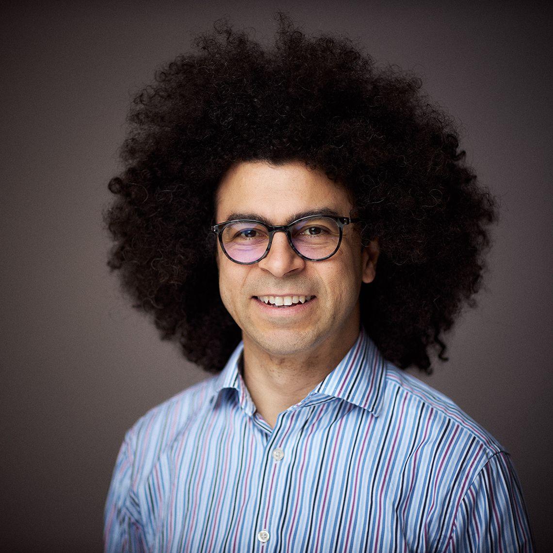 Dr Roger Nascimento (pronouns: he/him)