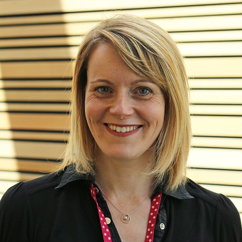 Dr Jo Holliday