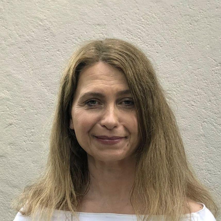 Professor Christiane Dolecek