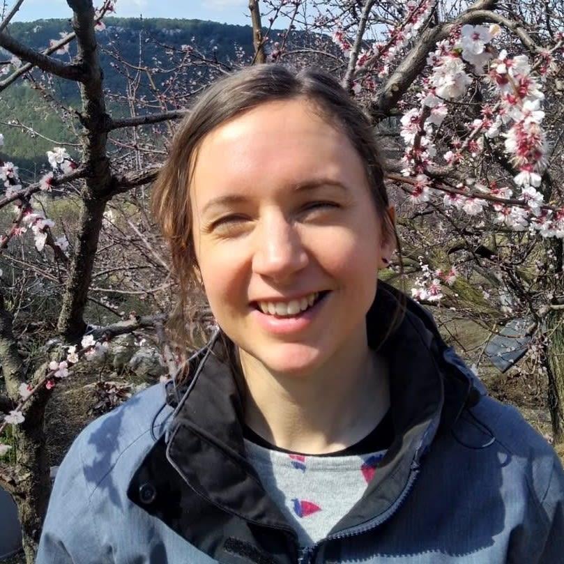Dr Kate Sahan
